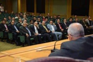 اثناء القاء المحاضرين فى قاعة المؤتمرات